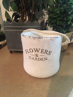 """Super cute shabby chic """" flowers"""" pot for Sale in Surprise, AZ"""