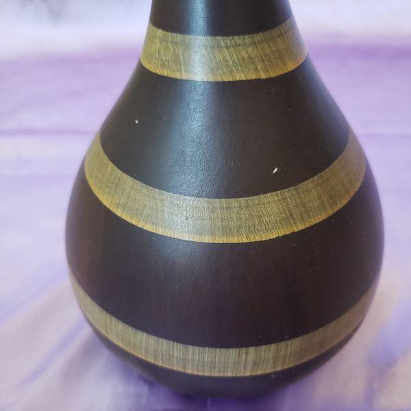 Curvy Plaster Stripe Vase