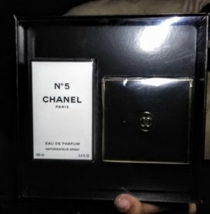 Chanel No.5 perfume & lotion gift set (brand new!) for Sale in Sacramento, CA
