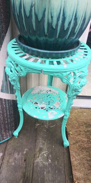 Iron stand for Sale in Mount Sterling, OH