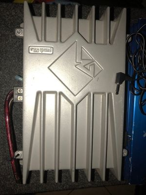 500 Watts amp for Sale in Columbus, OH