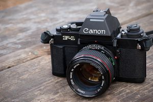 Looking to buy a canon f-1 for Sale in Parkland, FL