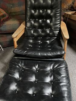 Mid century chair and ottoman for Sale in San Diego,  CA