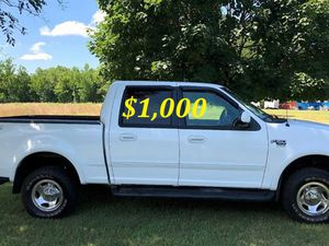 🔑💲1,OOO For sale URGENT 🔑2OO2 Ford F-15O Super Crew Cab 4-Door Runs and drives very smooth Clean Title Excellent condition🔑🔑🔑 for Sale in Wichita, KS