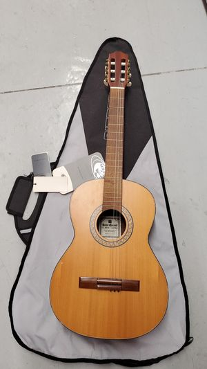 Hans Garrett Classical Guitar with New Carry Bag for Sale in Sunrise, FL