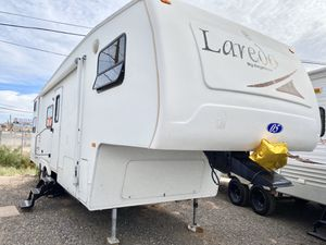 05 Laredo 29ft 5th wheel trailer for Sale in Mesa, AZ