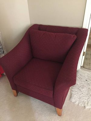 Fabric maroon Armchair for Sale in Streamwood, IL