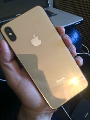 iPhone XS Max for Parts (Doesn't Turn On) for Sale in Coral Gables, FL