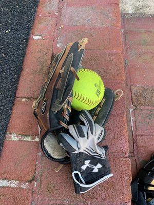 Nike youth Glove, batting glove and softball package for Sale in Wakefield, MA