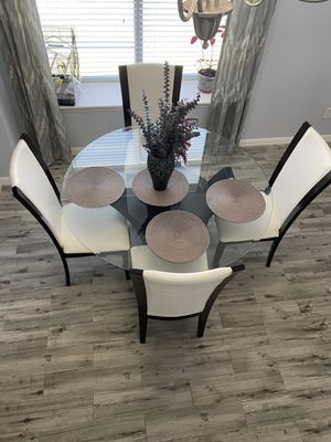 Dining table for Sale in Irving, TX
