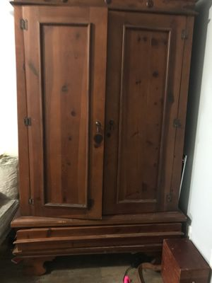 Awesome hutch for Sale in Wood Village, OR