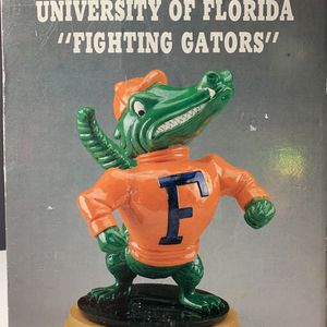 NEW UNIVERSITY OF FLORIDA GATORS COLLEGE MASCOT FIGURINE ALBERT APOLLO GRACE 1990 for Sale in Palmetto, FL