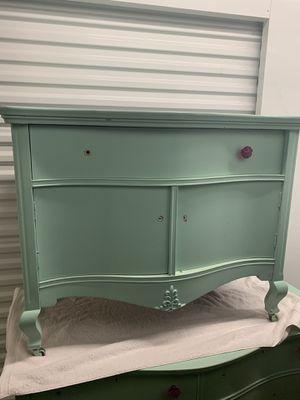 Antique dresser set with mirror for Sale in Laveen Village, AZ