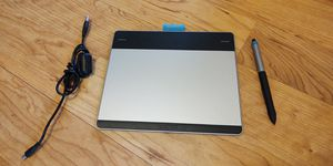 WACOM Intuos Creative Comic Art Pen Touch Tablet - Digital Manga And illustration for Sale in Tampa, FL