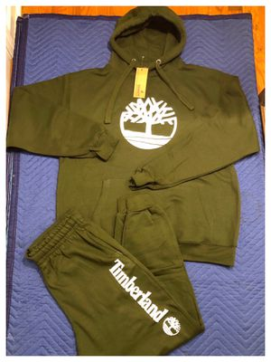 Timberland sweatsuit size xl for Sale in Clifton, NJ