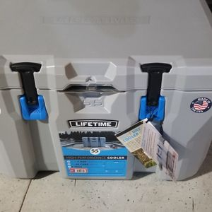 55Qt Lifetime Cooler for Sale in Los Angeles, CA