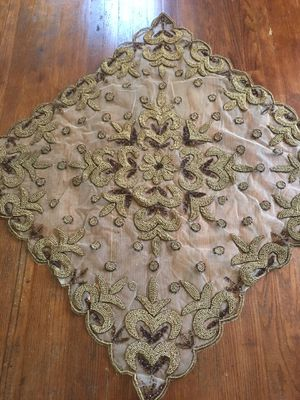 Covers India like new for coffee table or dining table for Sale in Dearborn, MI