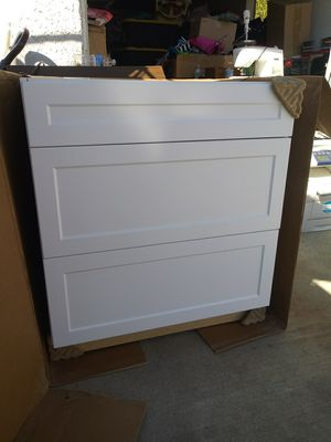 Kitchen Cabinet Base for Sale in Los Angeles, CA