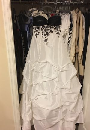 New White and black wedding dress for Sale in Happy Valley, OR