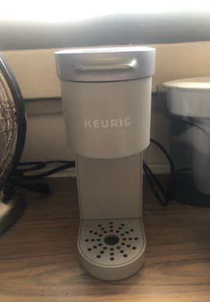 Keurig one cup coffee maker for Sale in Honolulu, HI