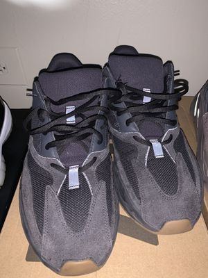 Yeezys boost 700 box and everything 250 original price 330 we can talk price for Sale in Staten Island, NY