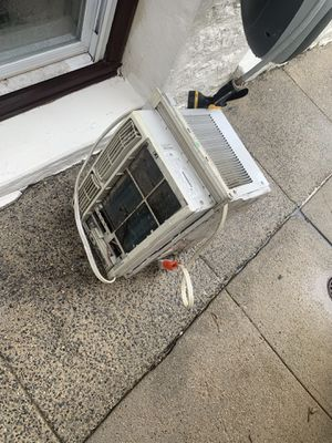 Working AC for free for Sale in New York, NY