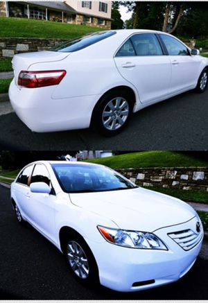 2OO8 Toyota Camry price $8OO 0S for Sale in Santa Ana, CA