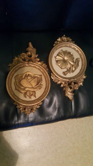 Beautiful wall decor set for Sale in North Providence, RI