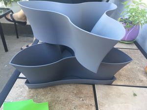New!!! Plastic flower pot for Sale in St. Louis, MO