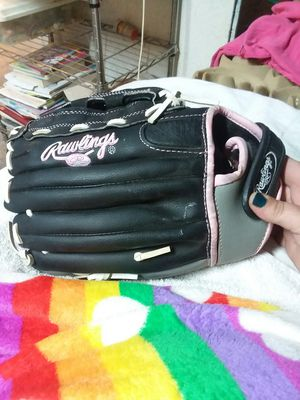 Rawlings Softball glove for Sale in Walkertown, NC