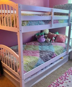 White Twin Over Twin Bunk Bed for Sale in Silver Spring,  MD