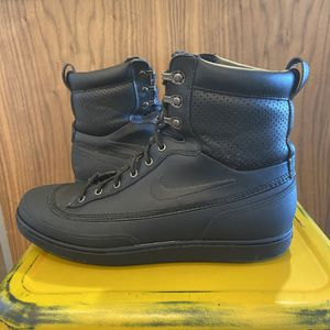 Nike | ACG Tychee Leather Mid Boots ; Women's 8 for Sale in Denver, CO