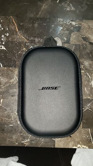 Bose wireless headphones for Sale in Chicago, IL