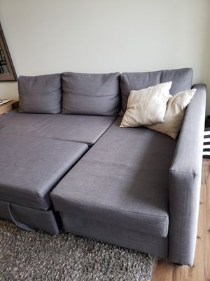 Grey sectional couch w/double bed option for Sale in Gaithersburg, MD