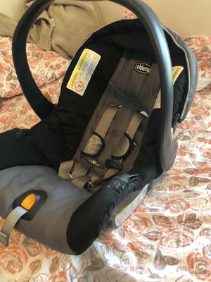 Chicco Keyfit 30 w/ 2 bases for Sale in Pensacola, FL