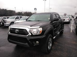 TOYOTA TACOMA EN PAGOS 2015 for Sale in Dallas, TX