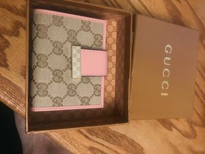 Gucci wallet for Sale in Temecula, CA