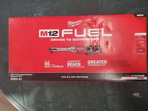 milwaukee m12 fuel extended 3/8 ratchet kit and battery for Sale in Oakbrook Terrace, IL