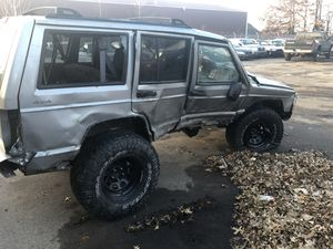 2001 Jeep Cherokee limited parts for Sale in Holland, MI