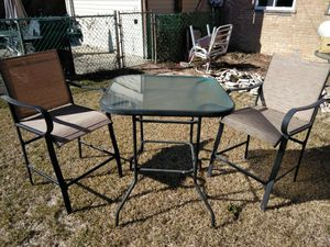 """Patio furniture (pub height) approx 40"""" for Sale in Chicago, IL"""