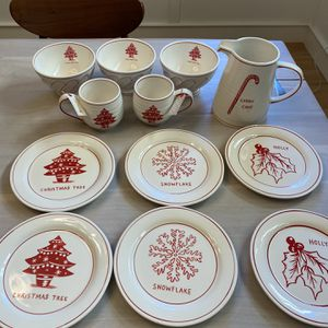 Christmas Dishes Set for Sale in Issaquah, WA
