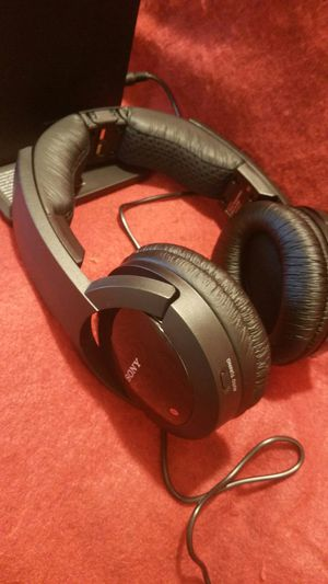 Sony Wireless Digital Surround Headphones, Noise reduction. Extra Bass. $189 store for Sale in Richardson, TX