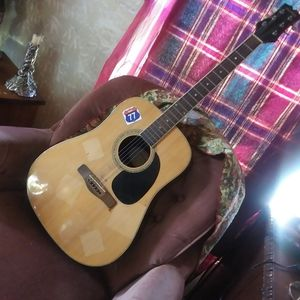 Mitchell acoustic guitar for Sale in Chattanooga, TN