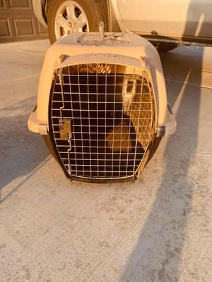 Dog travel kennel for Sale in Bakersfield, CA