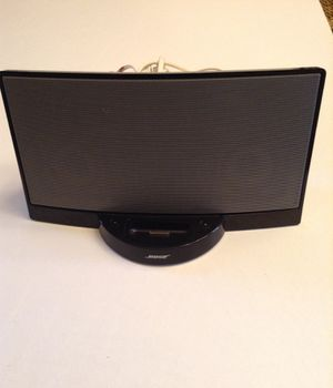 BOSE SOUND DOCK AND POWER CORD. PERFECT CONDITION for Sale in Mableton, GA