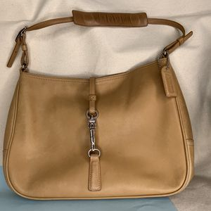 Coach Hamptons Leather Small Clip Hobo Slim Shoulder Bag 7751 Camel Tan, Women's Purse for Sale in Gresham, OR