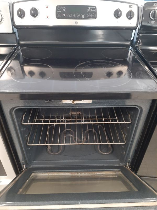 Ge electric stove used in good condition with 90 day's warranty