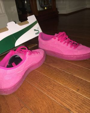 Pink Pumas SIZE US 6 AUTHENTIC 100% for Sale in Silver Spring, MD