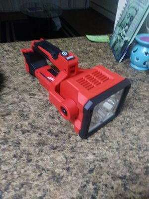 MILWAUKEE lithium shop light $50 for Sale in Denver, CO