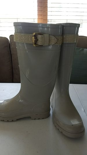 Burberry Boots. for Sale in Sebring, FL